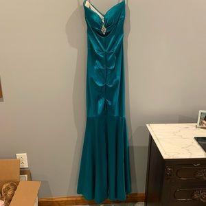 Mermaid Style Strapless Prom Dress